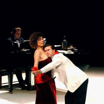 The Diva Twos a Crowd with John Pohlhammer Nuffield Theatre 2002