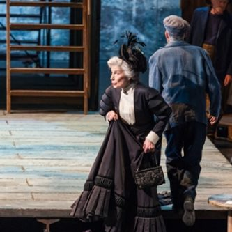 As Mrs SedleyPeter Grimes - Lyon 2014